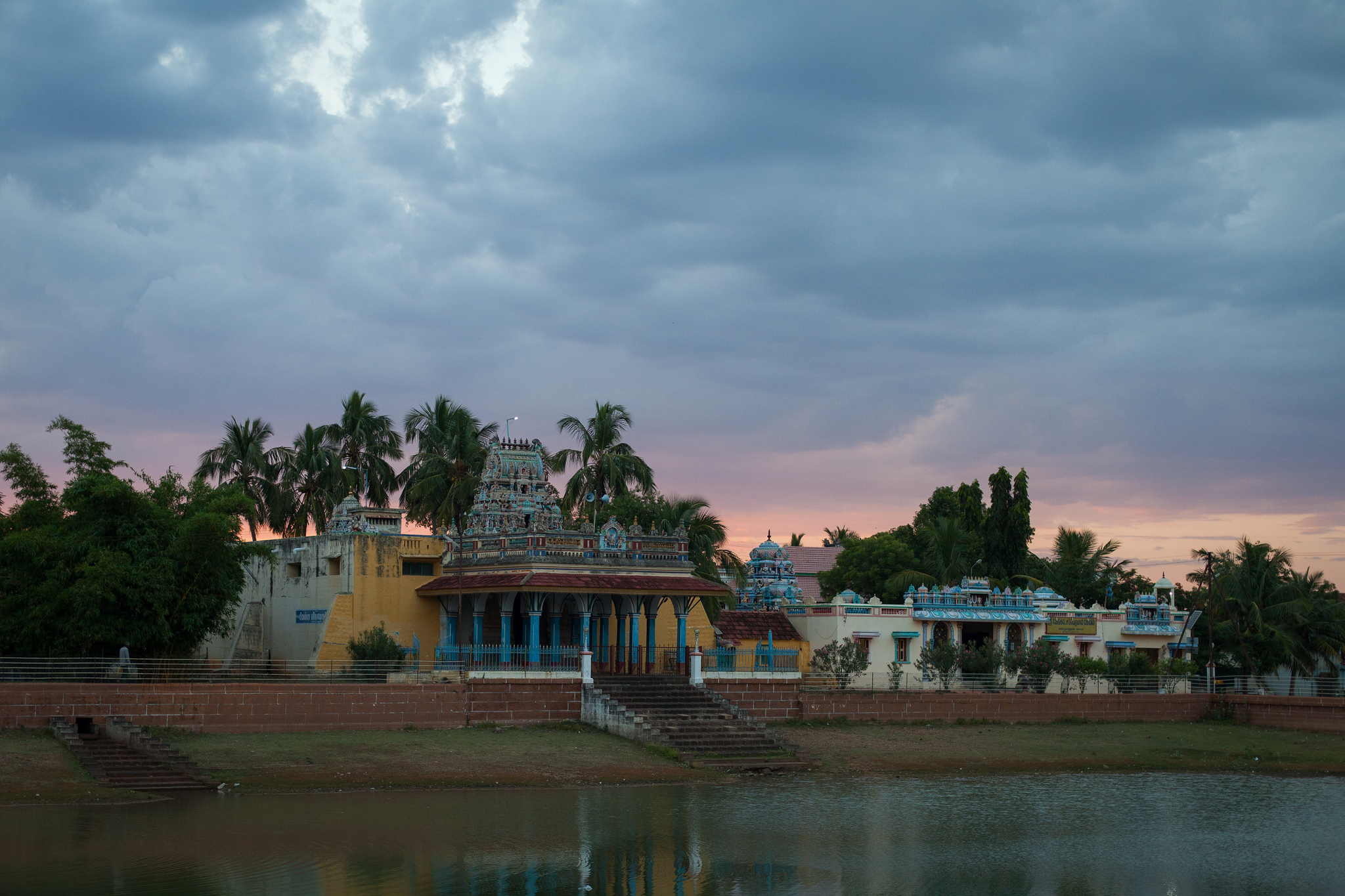 temple-coucher-de-soleil
