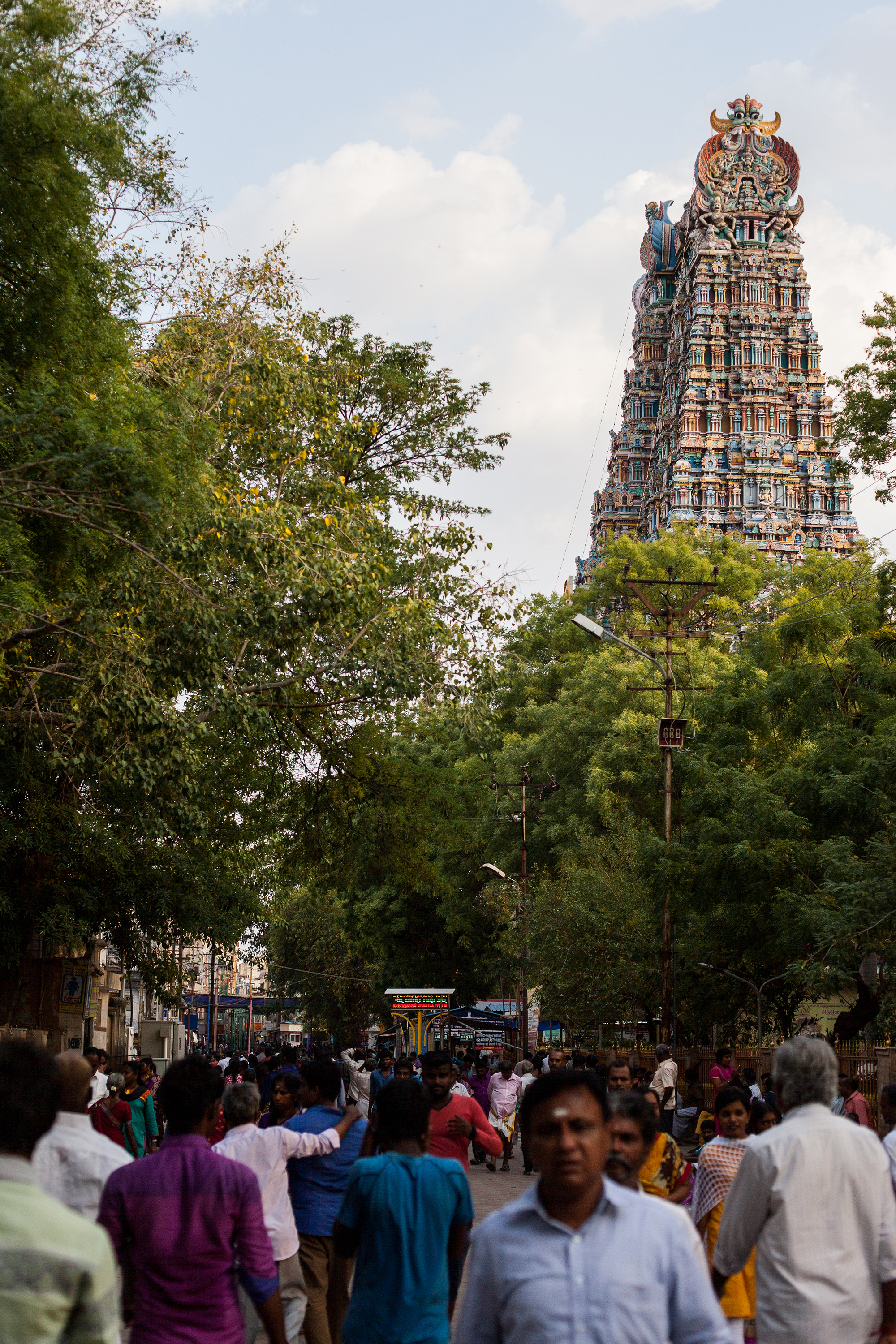 Meenaskshi temple in Madurai and its crowd
