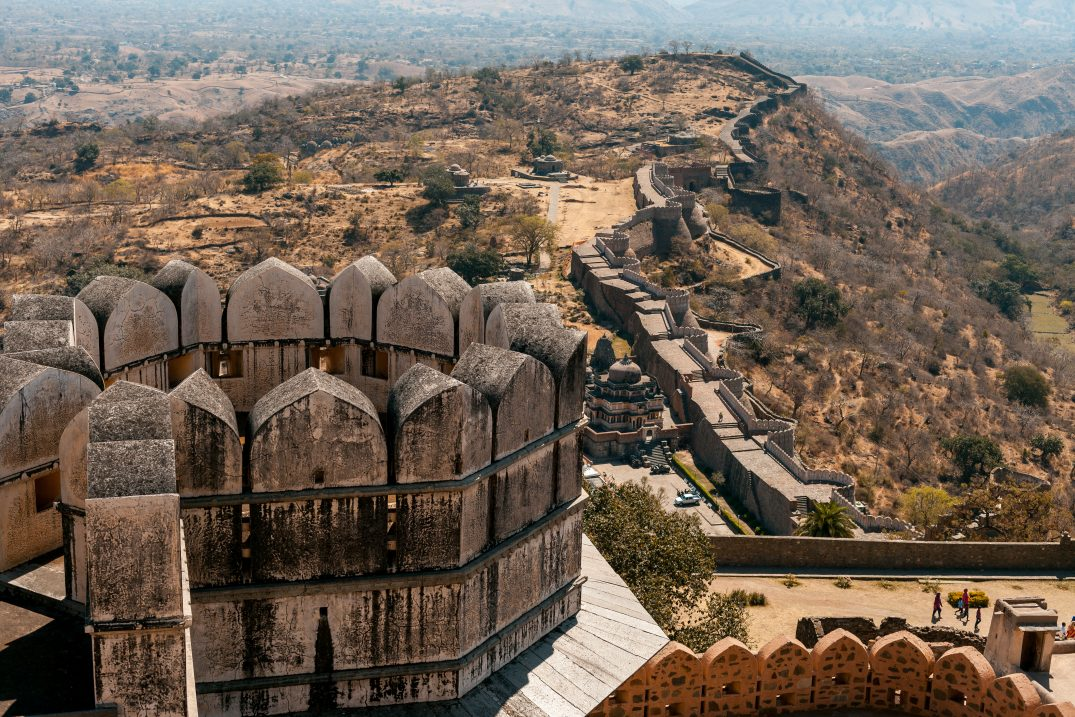 Serpentine walls of Kumbalgarh
